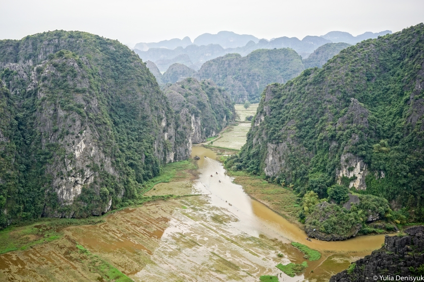 view-from-hang-mua-peak-in-tam-coc-ninh-binh-province